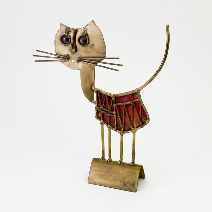 Sculpture of a cat by french artist Jarc